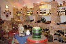 Borbarlang- Wineshop / Bacchus-Badacsony-Lake Balaton-Hungary. Badacsonyi bor a pincénkben. Saját vinotékánkban badacsonyi borokat kóstolhat, és vásárolhat