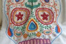HAND EMBROIDERY / EMBROIDERED, BORDADOS