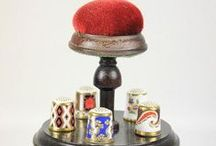 COLECCIÓN ROYAL CROWN DERBY / TCC - ENGLAND- ROYAL CROWN DERBY CHINA THIMBLES COLLECTION (15)