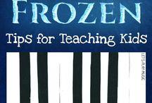 Clases de Piano!! / Amo tocar piano y me gusta enseñar a los demás, para mi significa ayudar a los que no tienen dinero para una escuela de piano y quieren aprender.