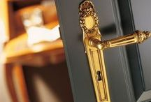 Kliky, kování a dopňky/Handles & accessories / http://www.saloncardinal.com/doors/kliky-a-kovani