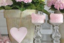 Interieur with vase collection / Hoe gebruik je vazen bij het inrichten van je huis
