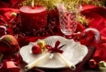 Christmas Holiday Tablescapes / by Michelle Sousa♥.•:*´¨`*:•♥
