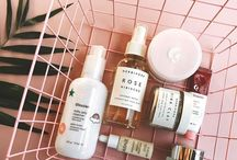 """Beauty Products - Beauté / Hey it's Melody ! From the blog """"Melody, Fresh and Sunkissed"""" IF YOU'D LIKE TO BE A PART OF THIS CUTE BEAUTY BOARD, MESSAGE ME ! (or email me at: freshandsunkissed@gmail.com)"""
