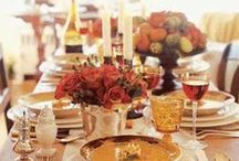 Thanksgiving Tablescapes / beautiful and inviting accessories and arrangements for your thanksgiving gatherings