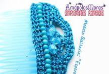 Peinetas EXCLUSIVAS AmapolasMoras / Peinetas artesanales exclusivas AmapolasMoras, hechas a mano con cintas de seda, cuentas de diversos tipos y perlas.