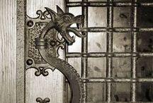 Dragones, gárgolas