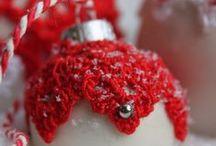Kerstballen versieren / Omhaken van kerstballen