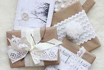 Gaveindpakning / Gift wrapping