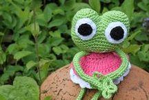 Op kikkertje / Op-kikker-tjes - patronen van op kikkers - kikker - crochet frog