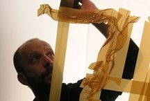 Mark Khaisman / Artista que crea sus obras con cinta de embalar.