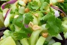 Food - Soup & Salad / by Nysha Key