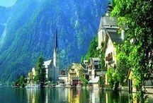 ÁUSTRIA / A Áustria é um daqueles lugares onde os problemas parecem não chegar. Com um dos melhores índices de qualidade de vida do mundo, o país tem paisagens que não parecem de verdade: picos nevados e esbeltos, bosques verdinhos, lagos cristalinos, pequenos vilarejos de casinhas de telhados pontudos que se alternam com fazendas que lembram presépios. Nesse cenário idílico ainda há cidades magníficas, como Innsbruck, Salzburgo e Viena, uma das capitais mais imponentes e belas de todo o Velho Mundo.