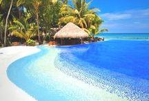 """ILHAS MALDIVAS / A República das Maldivas é um país da Ásia constituído por 1.196 ilhas tropicais, localizadas no Oceano Índico, conhecidas como """"o ultimo paraíso da Terra"""". Uma grande coleção de pequenos atóis, cobertos por palmeiras, com areias brancas e lagoas com água de um azul profundo."""
