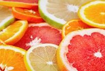 Grüne Smoothie Zutaten / Welche Zutaten gehören in einen grünen Smoothie? www.smoothiemakerin.ch