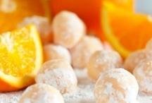 Sweet Treats & Desserts / by Michelle Kingsley