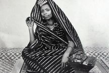 Malick Sidibé / Malick Sidibé was a Malian photographer born in 1936 in Bamako. Initially noted for his street photography of post-independence Mali in the 60s and 70s, he went on to exhibit throughout Europe and the United States. In 2007, he became the first African winner of the Golden Lion award at the Venice Biennale. He passed in 2016