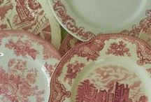 Pink Vintage China / Pink, the universal color of love, is also associated with calmness and contentment, making it a perfect color choice for china and tableware. Southern Vintage Table has a beautiful collection of pink vintage china that will help you express your love and happiness to your special guests!