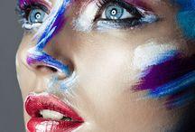 Shoot: Colors / Voor deze shoot wordt gebruik gemaakt van diverse kleuren, extreme wimpers. Voor de styling kan een pruik met veren, wetlook haar, gekleurd haar e.d. Worden gebruikt. Kleding is ondergeschikt aan de make-up.