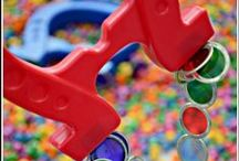 Magnet Play / Ways for kids to learn and play using magnets. Includes ideas for playing with Magna-Tiles.