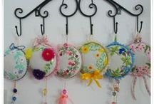 Pincushion / Pincushion ribbon embroidery , งานปักริบบิ้น / facebook.com/KookkikPimcraft