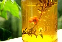 'Mocknuka' Honey / Don't own a patch of rolling Kiwi countryside or a beekeeping outfit? Well here's my cheat's guide to making your very own 'mock-nuka' honey from homegrown real manuka flowers.