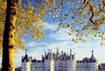 Royal houses of the world / by Mariana Hattingh