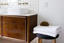 BATHROOMS      חדרי אמבט