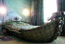 Bedrooms / by Roslyn Creevy