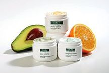 DMK Crémes / To revise skin it is essential to reach deep down beneath the layers of skin tissue and heal at cellular level, while restoring the skin's own natural functioning and processes. DMK Skin Crèmes do just that with their unique Transdermal Delivery System and formulations that match the skin's natural chemistry.