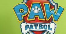 Paw Patrol (La squadra dei cuccioli), adesivi per bambini / Paw Patrol (La squadra dei cuccioli), adesivi per bambini. I personaggi preferiti dei bambini sul muro delle camere dei loro bambini. Chase, Marshall, Everest, Rubble, Skye, Zuma, Ryder... Decorare la stanza con la moda dei cartoni animati! By StickersMurali.com