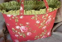 bags, purses, and totes to make / by tracy gregory