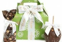 Holiday Caramel Apple Gifts for 2013 / Indulge your loved ones this Holiday season with some succulent and award-winning gourmet gifts!   SHARE THE LOVE