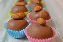 Schokolade und Pralinen / Kleine Häppchen und Pralinen