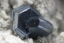 Chalcocite (Groupe) / Sulfures : Chalcocite, Digenite, Djurleite, Anilite, Spionkopite, Roxbyite, Geerite