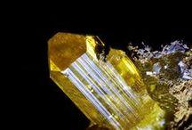 Legrandite / Groupe Dana 42.06.04 :  Legrandite (Arséniate), Spencerite (Phosphate)