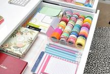 Home Office Organization / How to organize your home office or workspace. Clean and colorful office inspiration. Lots of ideas for organizing your stationery, desk, and planning areas too!