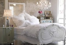 Home: Bedroom / by Ashley Tomlinson