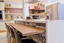 Inspiração: cozinha e sala de jantar / O lugar mais receptativo da casa DEVE ter a sua cara e a suas cores. Inspire-se com muito estilo e elegância!