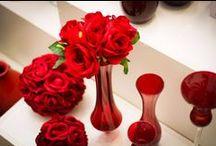 Cor Vermelho / Uma das cores mais intensas e mais provocantes, o vermelho é perfeito para levantar qualquer produção.