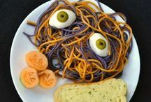 EASY Halloween Snacks & Party Foods / Adorable, easy and FUN Halloween party foods, snacks and cute edibles.