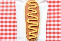 Hot Dog Party / Get ya Hotdogs! Here's some ideas for creating a fun Hotdog Party! Fun toppings, games and ideas including showstopping hotdog stands and printable decorations. Fun idea for weddings also!