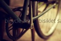 Bicycle / Bicycle, Bike, Cycle, Wheel, Velocipede, Roadster and Motorcycle