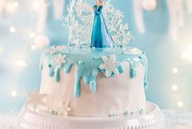 DIY | Frozen -Die Eiskönigin und Rezepte / Planst du einen Themengeburtstag für kleine Einsprinzessinnen? Hier findest du tolle Ideen für eine perfekte Party mit Elsa, Olaf & Co