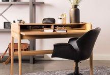Desk - Bureau * / Pour travailler, pour étudier ou pour organiser un espace rien qu'à vous : choisissez le bureau qui vous ressemble assortit à votre décoration ... Bureau rustique, classique, informatique ou design, chaque modèle vous offre un style et des avantages différents. Et pour que votre bureau soit parfaitement équipé, n'oubliez pas de choisir une chaise confortable et une spacieuse armoire de bureau.