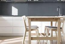 Cuisine - Kitchen / La cuisine est la pièce où l'on aime se retrouver en famille pour cuisiner, préparer de bons petits plats ... Il est important de créer une décoration et une ambiance qui vous ressemble. Découvrez nos inspirations pour une cuisine élégante et moderne ou plus authentique mais toujours décoré avec goût !
