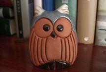 Owls #Buhos # / Soy aficionada a comprar Buhos de artesanía. Me gustan todos en general.. / by Esther Sanchez Miyar