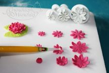 Fondant flowers, step by step