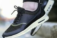 Walking down the street with my nikes on / #nike #air #max #shoes