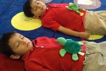 Kindercoach Ontspanningsoefeningen / Kindercoaching inspiratie voor korte rustmomenten met kinderen (coachees). Kinderyoga, mindfulness, ademhalingsoefeningen en mindset.